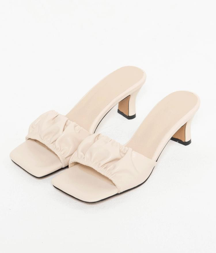 Wrinkled Upper Heeled Mules