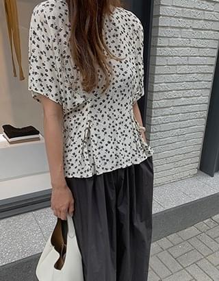 elin flower blouse