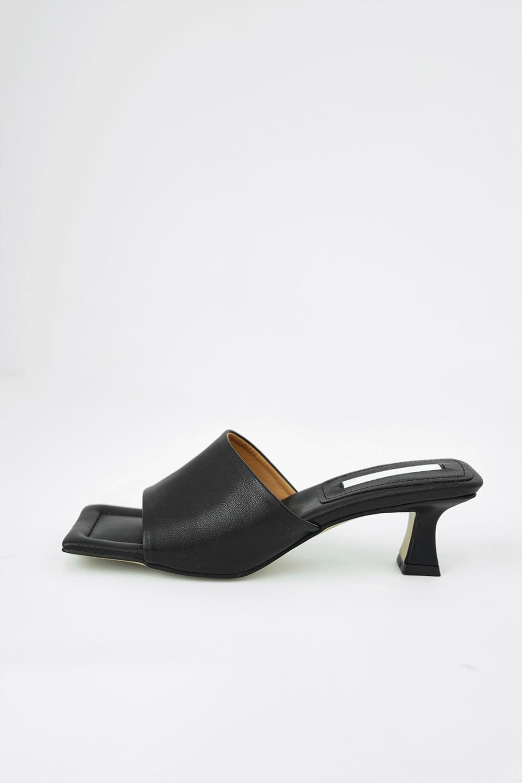 Open toe middle Mule