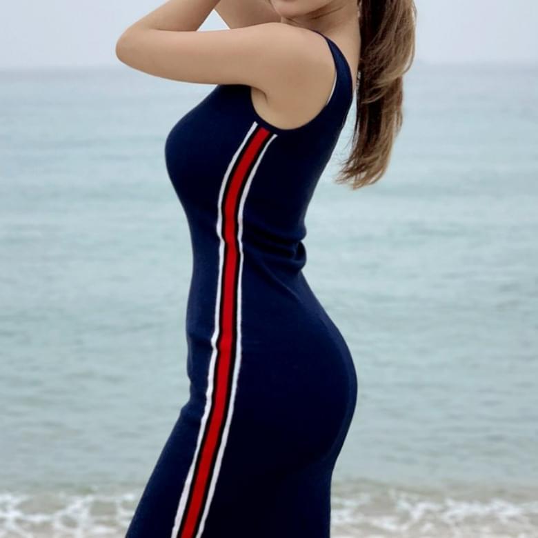 Sporty Slim Line Knitwear Sleeveless Dress