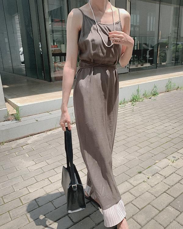 細肩帶緞面洋裝