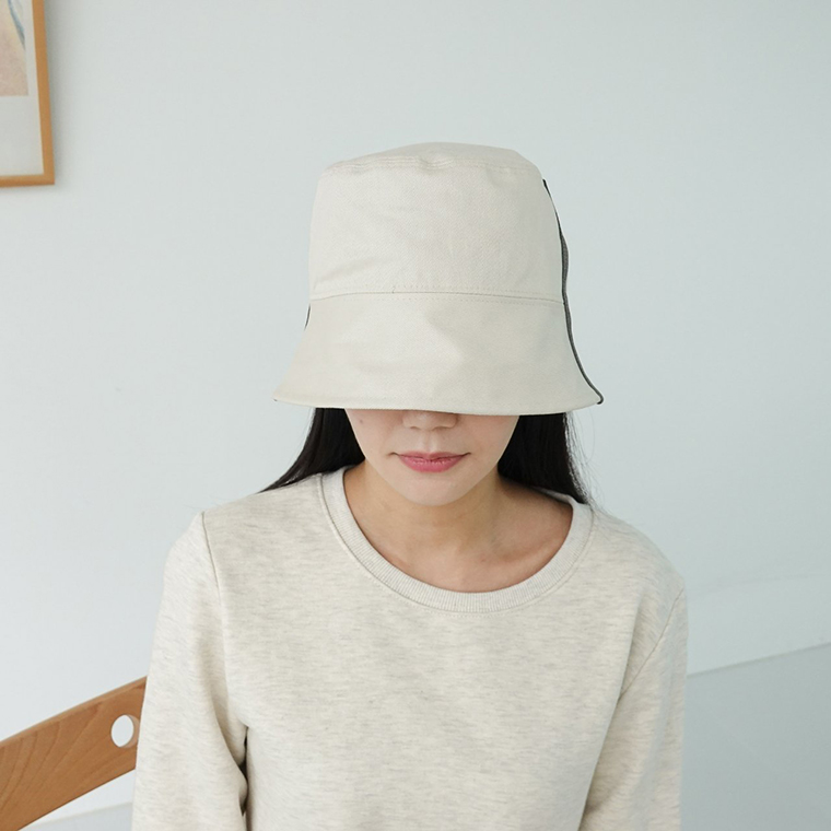 Daily Muzi Line Bucket Hat