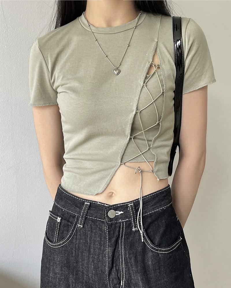 데어 스트랩 코르셋 트임 크롭 반팔 티셔츠