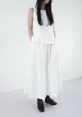 simple two-piece set - sleeveless