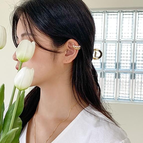 twist pearl ear cuff