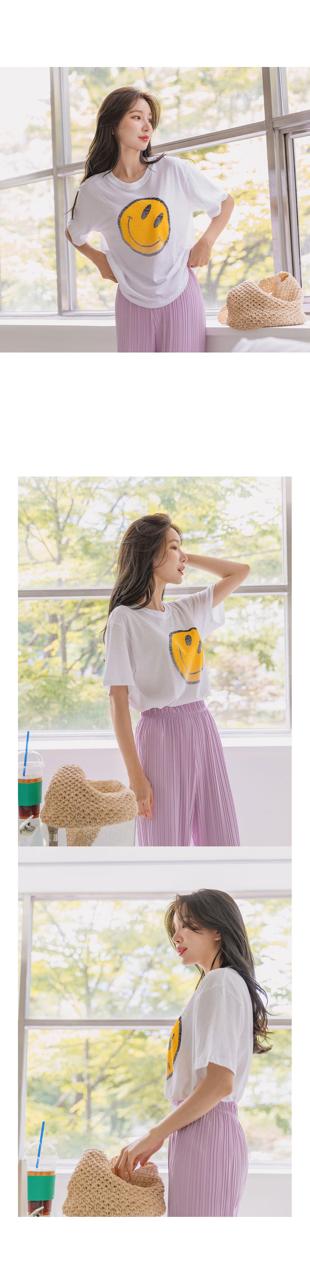 Smile Vintage Short Sleeve Tee