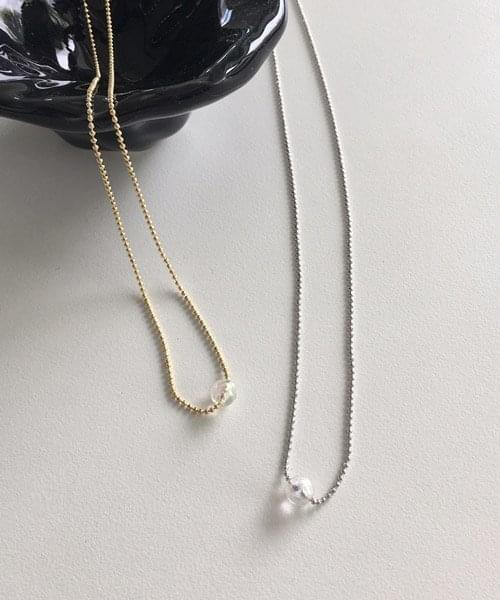 one beads necklace