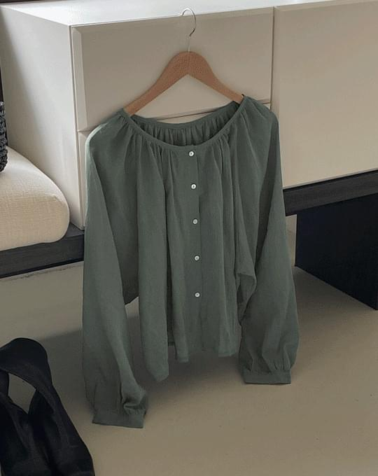 Runnon round neck shirring button blouse - 2 color