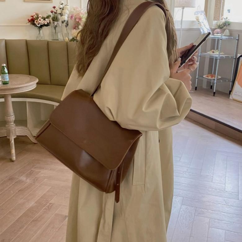 Madeline Daily Basic Edge Shoulder Bag