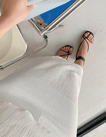 Somir * Long skirt with side slit pleats