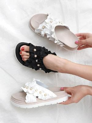 Isshu Ruffle Pearl Strap Point Whole Heel Wedge Cross Slipper Sandals 10774 ♡Second Sold Out♡