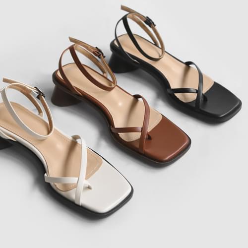 Lucyman strap sandals
