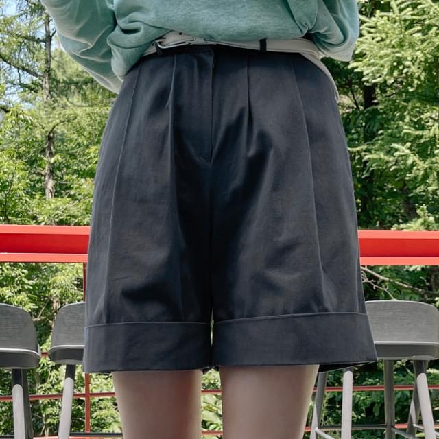Luigi Pintuck Roll Up Pants 短褲