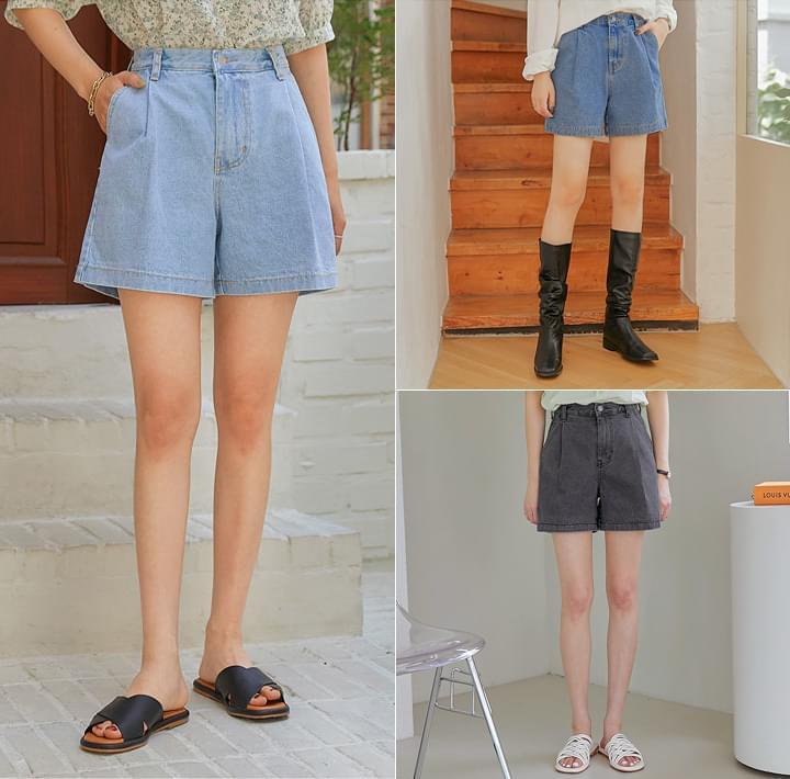 Relaxed Fit Mini Denim Shorts