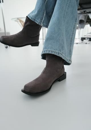 square suede half boots