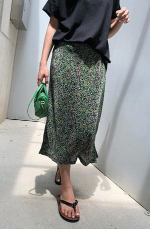 Flower Wrinkle-Free Small Pleated Skirt
