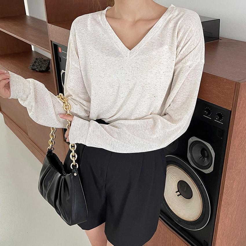 Soap Linen V - V-Neck Sweatshirt