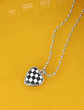 chess heart necklace