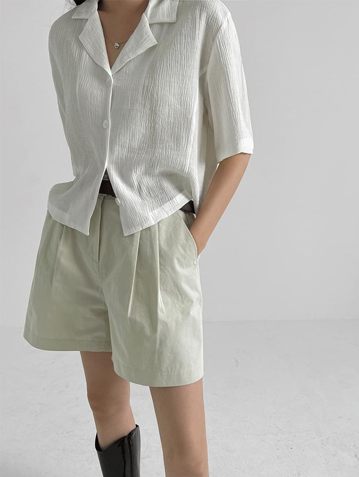 wrinkled collar cropped shirt
