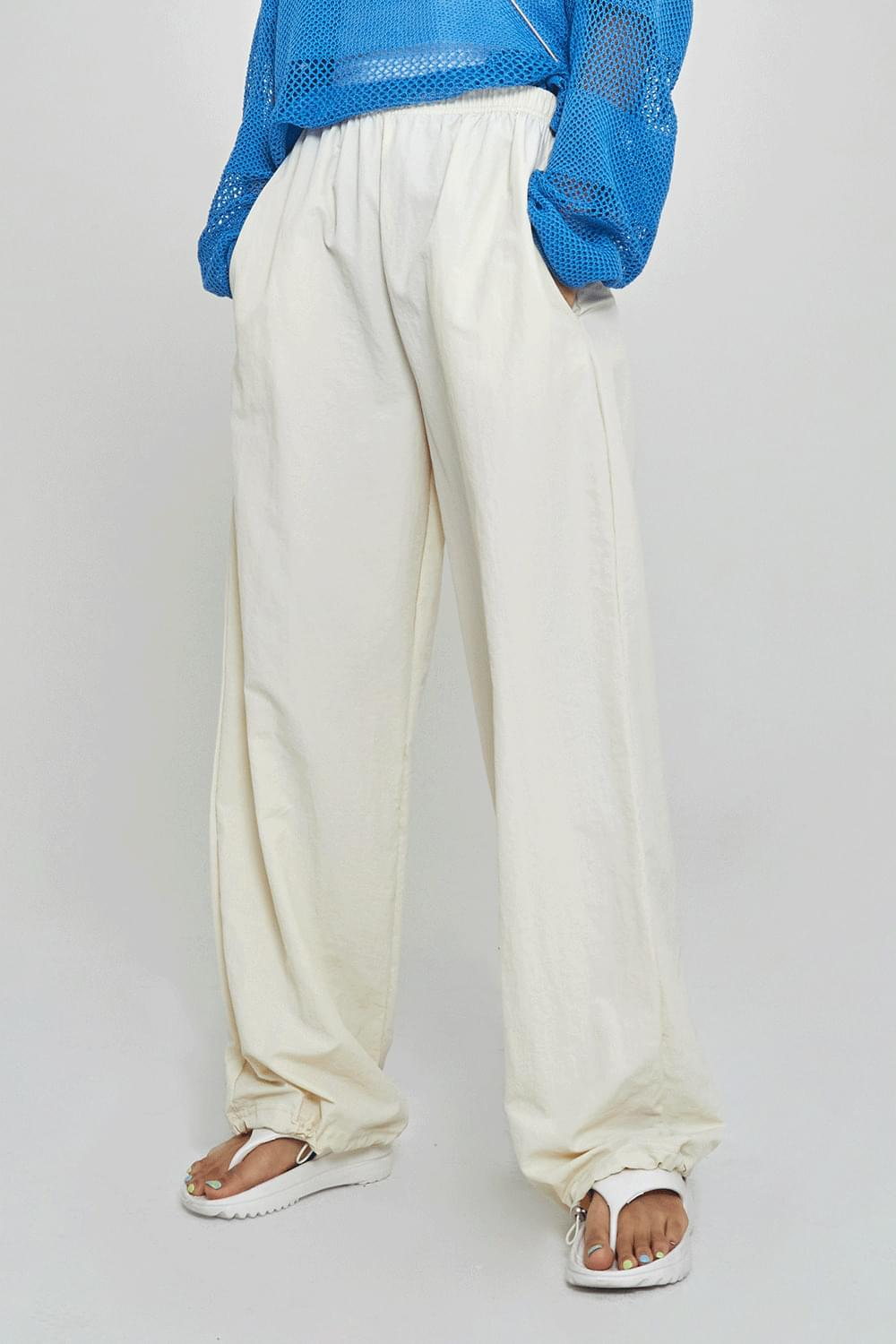 Simple string jogger or Pants