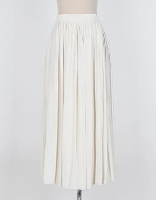sample sale) skirt.48