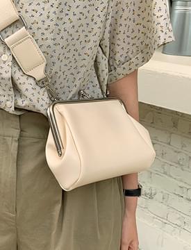 Webbing Strap Coin Shoulder Bag