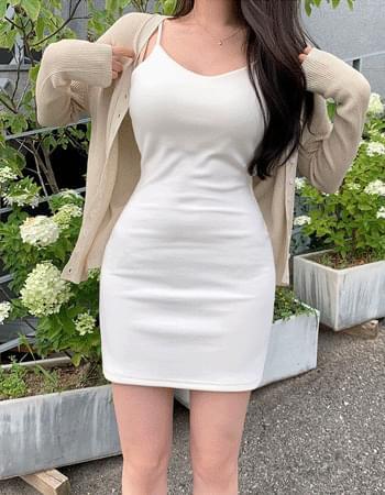 Mellow Slim Fit V-Neck Sleeveless Dress
