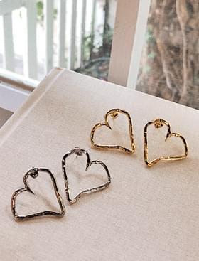 Heart frame earring lovely item :)