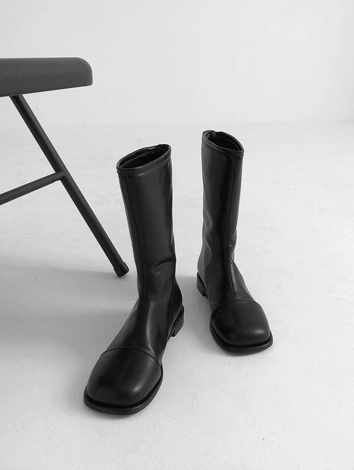 layered middle boots