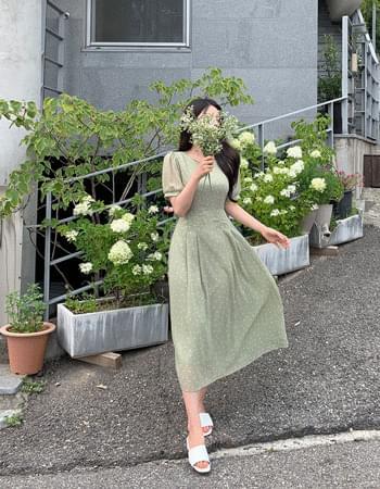 Rize Flower Pintuck Chiffon Long Dress