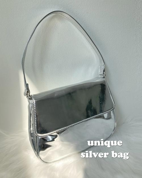 Wednon Unique Enamel Silver Shoulder Bag