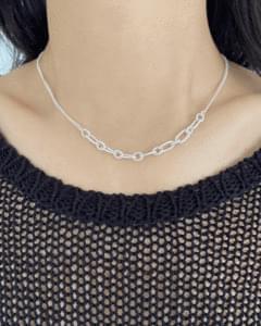 Half Bold Chain Necklace