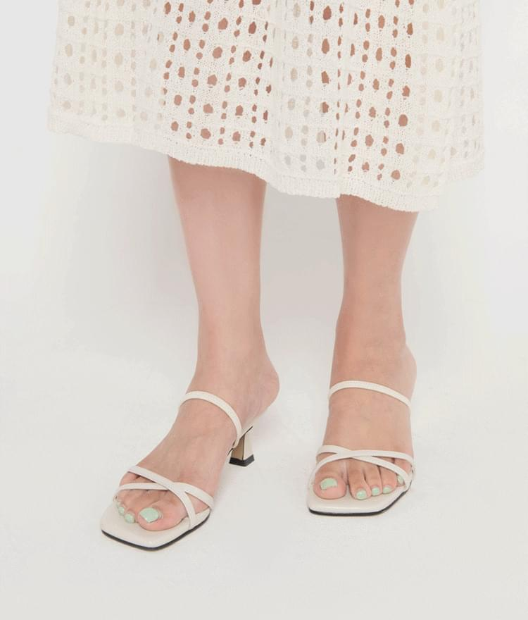 strap sandals two-way