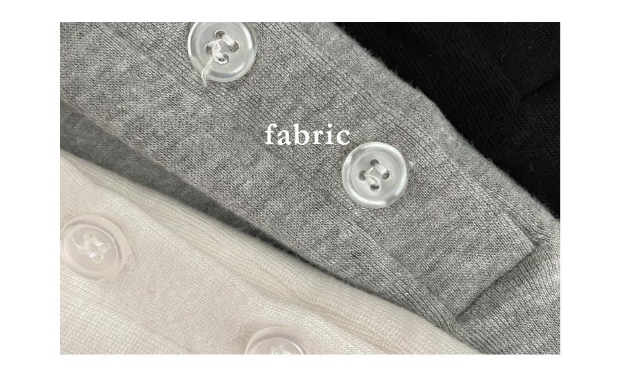 mafia button cropped T-shirt
