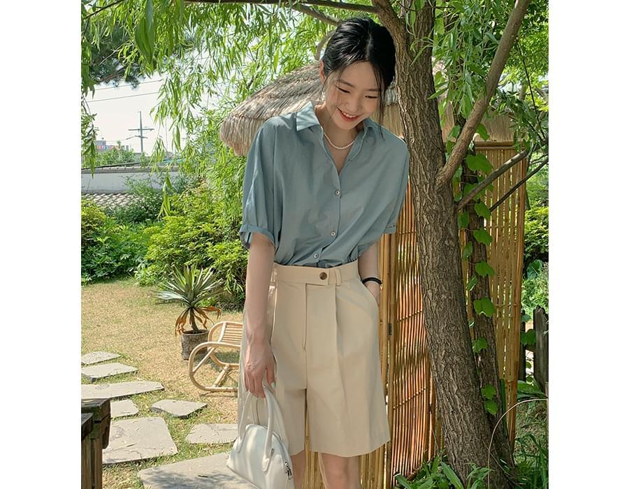 Mild roll-up short-sleeved shirt