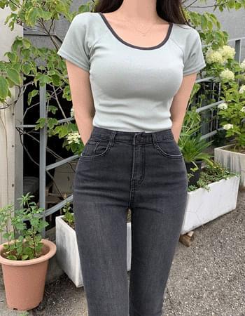 Lind color matching U-neck short-sleeved T-shirt