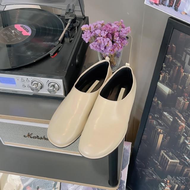 Ertin minimal round loafers