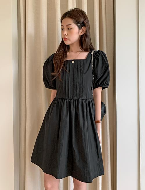 Mellow Pintuck Puff Mini Dress