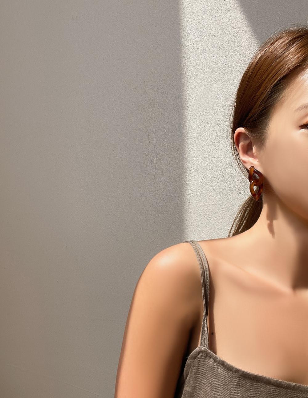 Homaika Mute Tone Twisted Earrings 2color