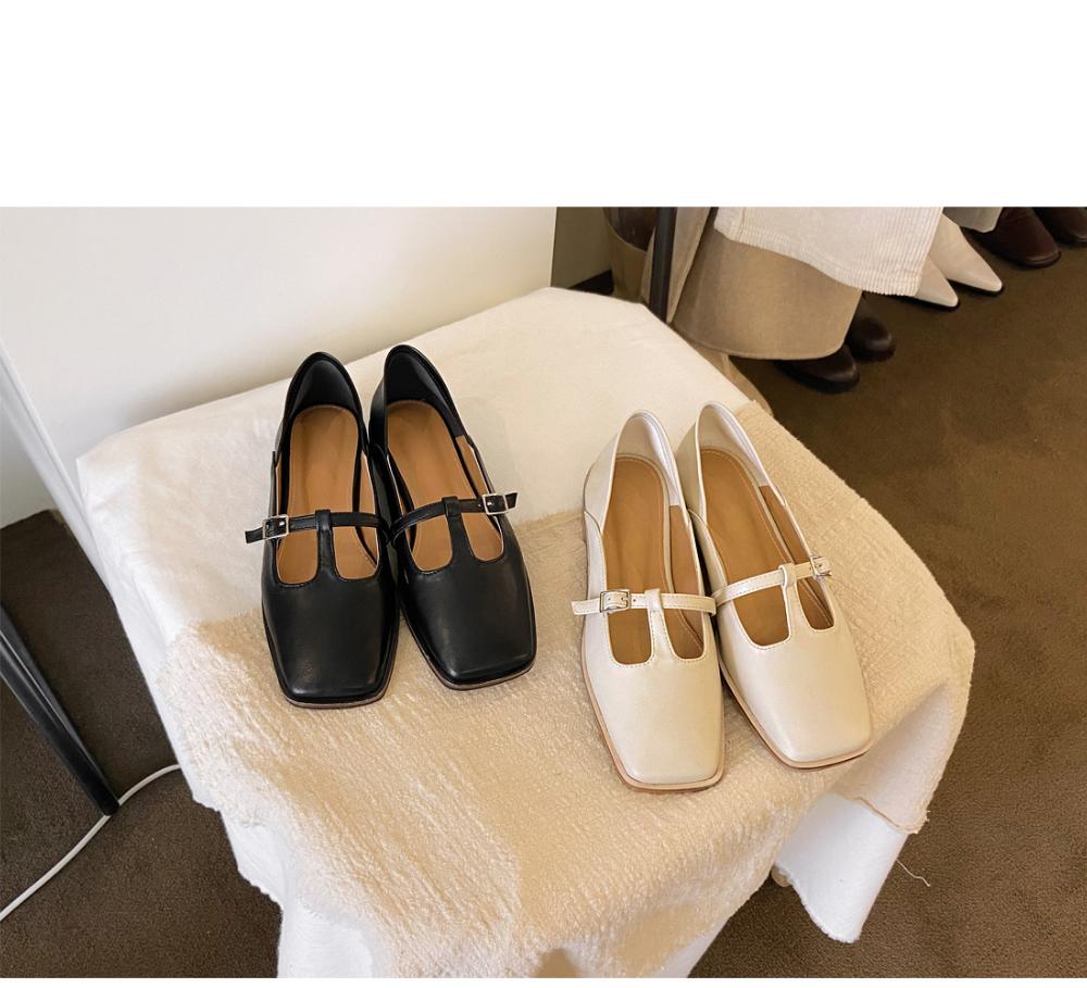 신발 크림 색상 이미지-S1L7
