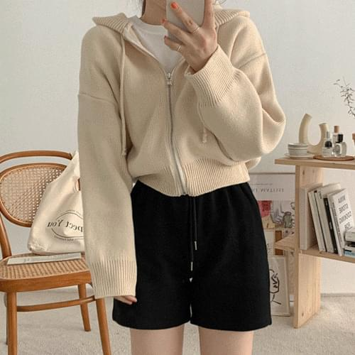 Recommended for short girls semi-cropped hooded zip-up cardigan