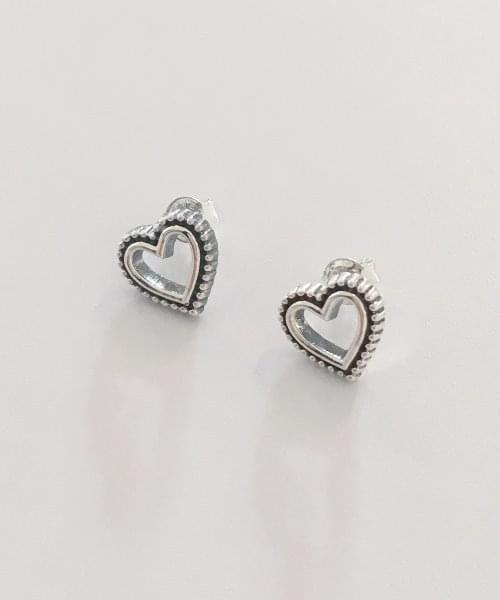 dot heart earring