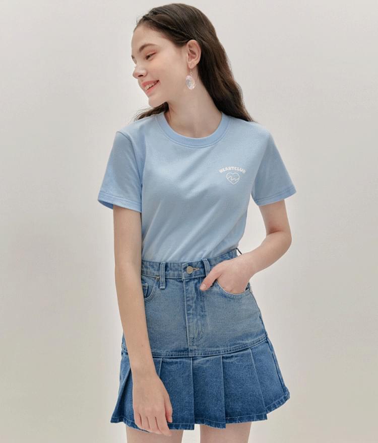 HEART CLUBLogo Print Basic T-Shirt