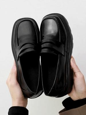 Two Material Wide Square Nose Whole Heel Penny Loafers 11059