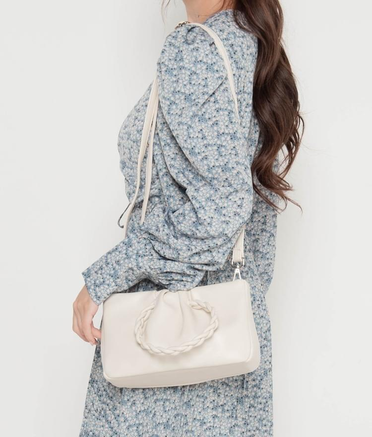 twisted square tote bag