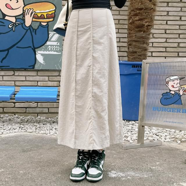 Tini line long skirt