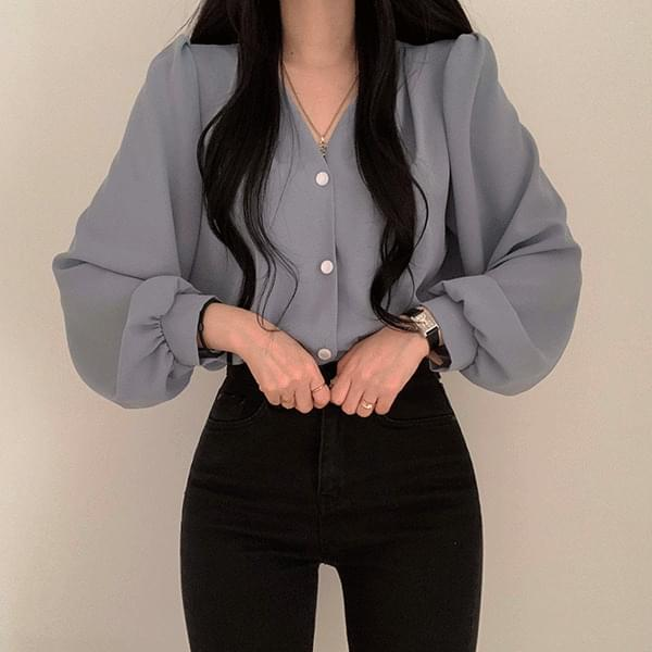 Romeo button V-Neck blouse