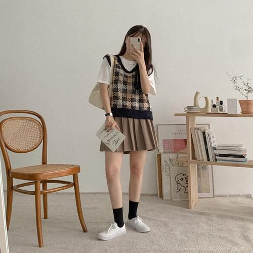 Rev pleated skirt