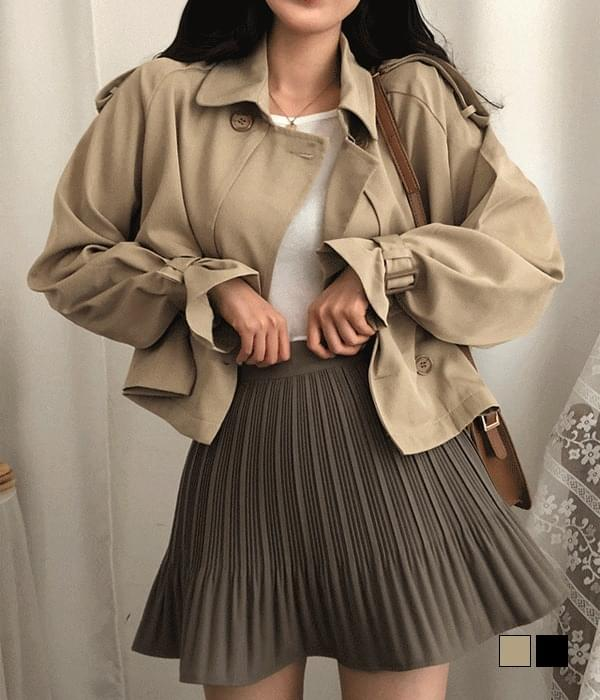 full detail cropped trench jacket