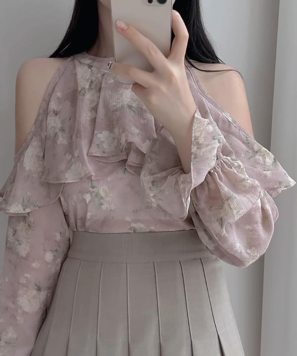Evelyn Flower Shoulder Blouse 2color
